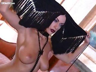 melita toniolo 2007 년 달력 무대