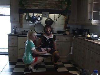 간호사 마담 c가 다시 안젤리카를 괴롭힌다.