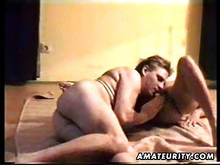 성숙한 아마추어 아내는 엉덩이에 cumshot로 짜증과 성교