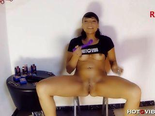 오르가슴을 분출하는 밀피