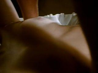웨이터는 그의 아내와 두 배 침투를위한 한 쌍을 결합한다