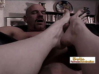 항문 fisting 후 그것은 엉덩이에 발을위한 시간이다