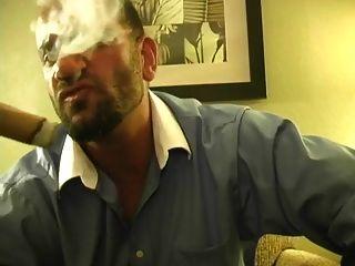 뜨거운 근육 덩어리 흡연 시가 및 잭 소리