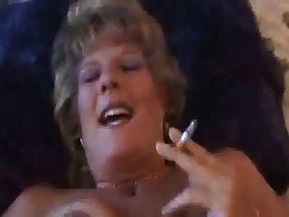 뜨거운 더러운 이전 cougar 흡연 및 빌어 먹을 이야기