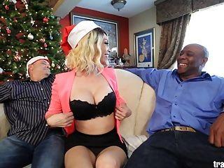 아름 다운 성전환과 크리스마스 cuckold 장면
