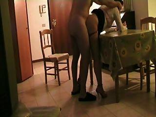 테이블 pt1에 거실에서 성교