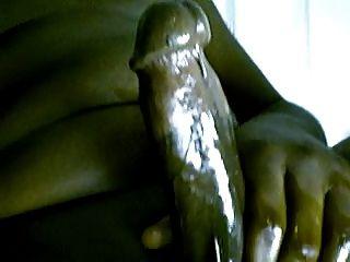 두꺼운 검은 기름진 수탉 정액 정액 정액