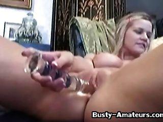 busty 병아리 리사 neils 그녀의 음부 2를 놀고