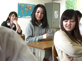 극단적 인 facesitting 자막과 지옥에서 일본어 학교