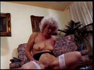 할머니 매춘부 # 1 장면 3