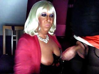 chrissie는 너를 위해 tranny를 엿먹 였어!