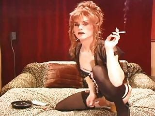 담배를 피우면서 섹스를하는 두 섹시한 남자