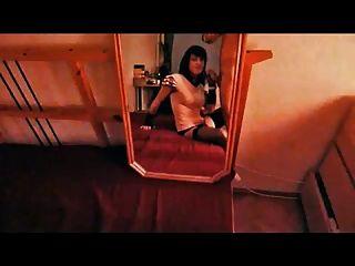 거울에 tranny 빠는 거시기