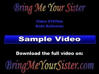뜨거운 십대 여동생을 첫 번째 하드 코어 섹스 비디오에 캐스팅
