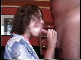 성숙한 여인은 위대한 bj cim을 준다.