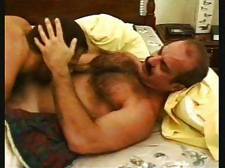 경찰관 빌어 먹을 아빠 마르코.