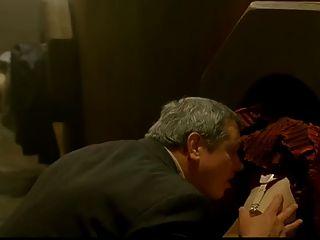 로맨스 (1999)에서 사육 (cuckold) 장면