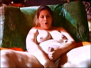 그녀의 거시기와 음부와 놀고 hermaphrodite