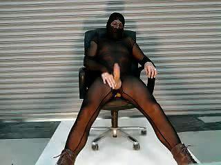 내 검은 깎아 지른 bodystocking 사만 매장에서