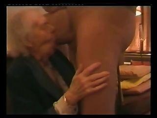 mmmmm 나는 그녀의 엉덩이를 섹스하는 것을 좋아합니다.