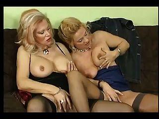 아내와 친구들과의 섹스