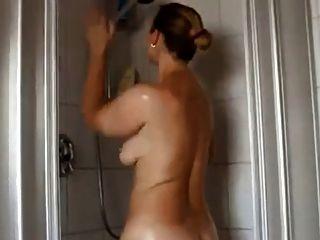 사랑스러운 통통한 엉덩이와 통통한 여자