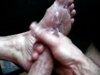 나의 뜨거운 발과 정액