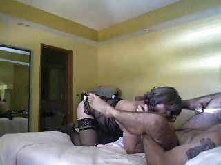 merrybeth2는 엉덩이를 핥는 것을 좋아합니다.