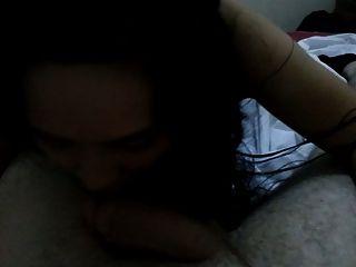 베트남 소녀는 흰색 거시기 4를 빨아