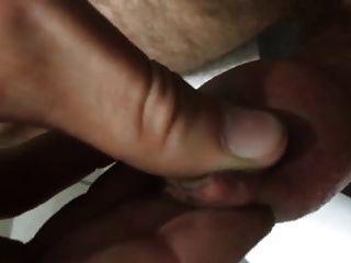 포피의 커다란 두꺼운 정액 부하