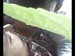 인도네시아 cewek jilbab ngentot outdoor