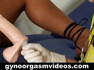 gyno 검사 및 여성 오르가슴 연구