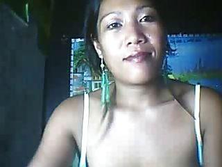 26 세의 필리핀 엄마가 큰 젖꼭지를 보여줄 수도 있습니다 파트 3