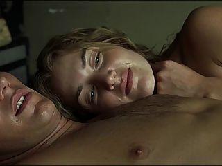 케이트 윈슬렛의 섹스 장면은 거의 없다.