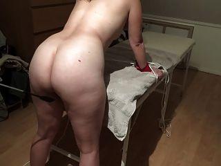 덴마크어 여자 채찍 뚜껑 블리치 본디지 다리와 가벼운 때리기