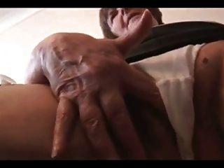 미니 스커트에 섹시한 털이 할머니