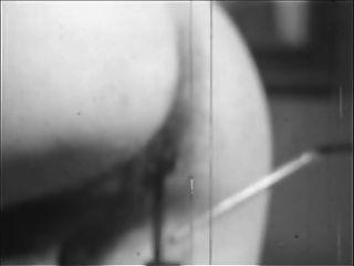 궁금한 사람. 장면 02. (1960 1970)