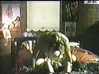 수면에서 섹스를하는 여배우