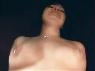 갈색 머리의 milf 수제 섹스와 입에 정액