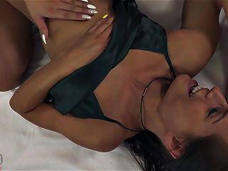 경쟁력있는 tribbing 섹스 천사 피아 vs nataly 체리