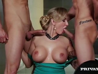 kayla green, dp threesome의 거유 한 유부녀