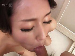 일본 성숙한 샤워에 거시기를 빨아 (무수정 jav)