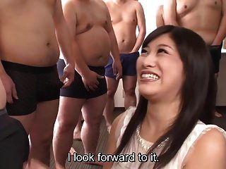 자막 cfnm japanese gokkun miki sunohara와 파티