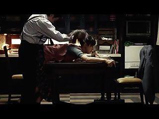 신비로운 일본인 아내가 남편에게 복종