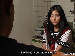 섹스와 그녀의 아버지의 부채를 지우는 아시아 청소년