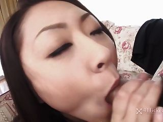 busty japanese ray hayami sucks cock (무수정의 jav)