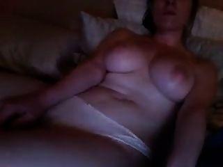 뜨거운 소녀 포르노를보고하고 자위