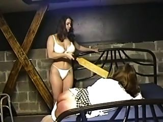아마추어 여주인은 그녀의 차가운 창녀를 처벌 03