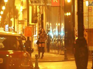 거리에있는 진짜 창녀 pute dans la rue