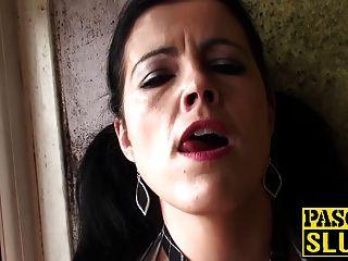 뜨거운 큰 엉덩이 성숙한 갈색 머리 montse 손가락 그녀의 성기 빌어 먹을